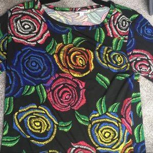 LuLaRoe Gigi shirt.